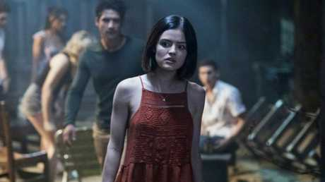 (Center) LUCY HALE and TYLER POSEY lead the cast of