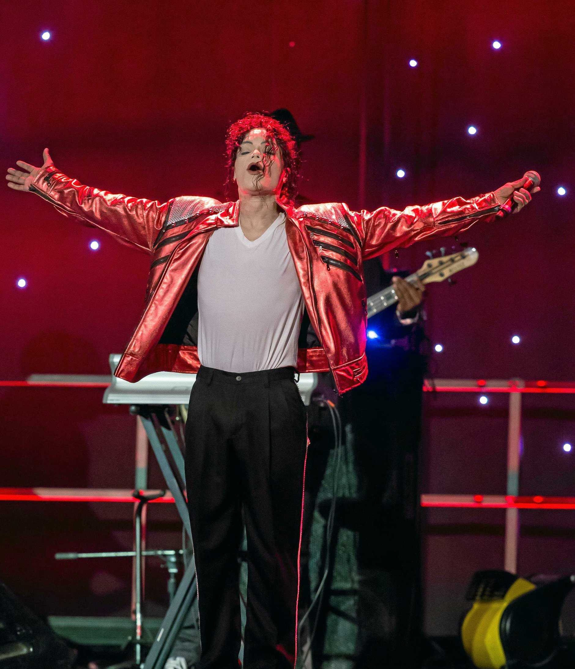 William Hall stars in Michael Jackson - The Legacy Tour