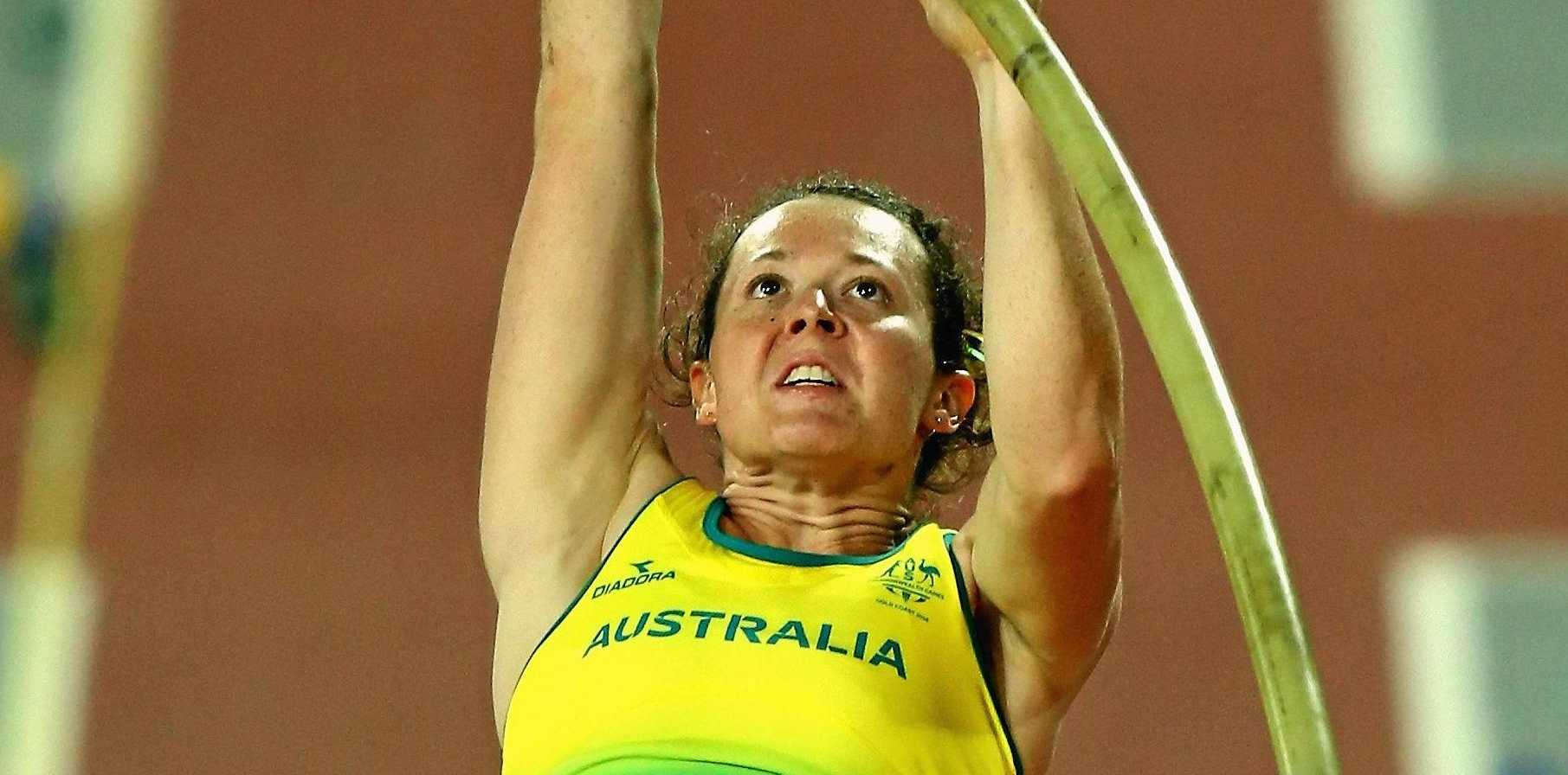 GOLD COAST, AUSTRALIA - APRIL 13:  Lisa Campbell of Australia competes in the Women's Pole Vault final during athletics on day nine of the Gold Coast 2018 Commonwealth Games at Carrara Stadium on April 13, 2018 on the Gold Coast, Australia.  (Photo by Michael Dodge/Getty Images)