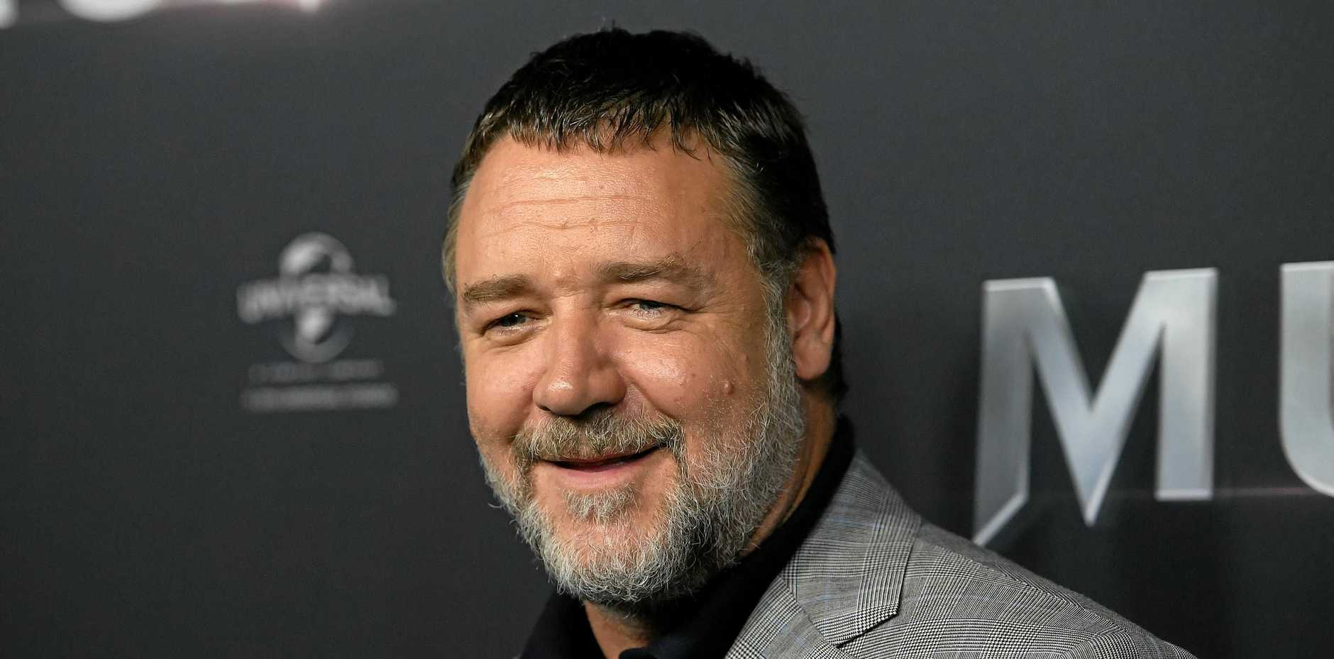 Australian actor Russell Crowe has made a life-saving donation to the Australia Zoo Wildlife Hospital.