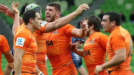 Jaguares players celebrate their win.