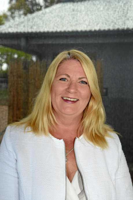 Hervey Bay Chamber of Commerce meet the candidates forum, Aquavue - Independant candidate Jannean Dean.