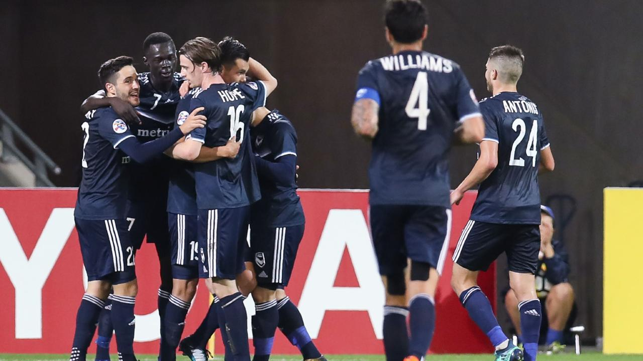 Melbourne Victory ended a tough campaign with a nice home win.
