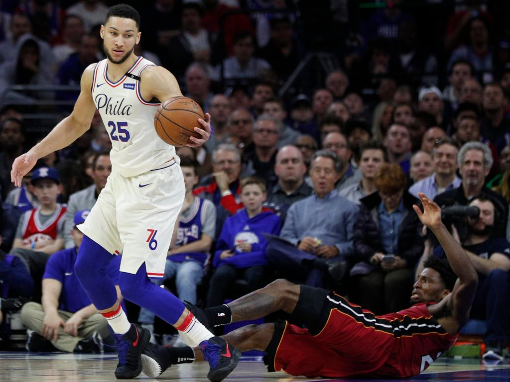 Ben Simmons floored Justise Winslow with an errant elbow. (AP Photo/Chris Szagola)