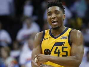Simmons' rookie rival lifts Jazz in thrilling game two
