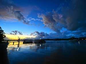 Sunset on Noosa River along Gympie Terrace.