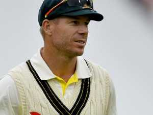 David Warner gets his hands dirty