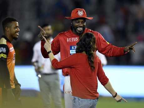 Gayle dances with Kings XI Punjab owner Preity Zinta.