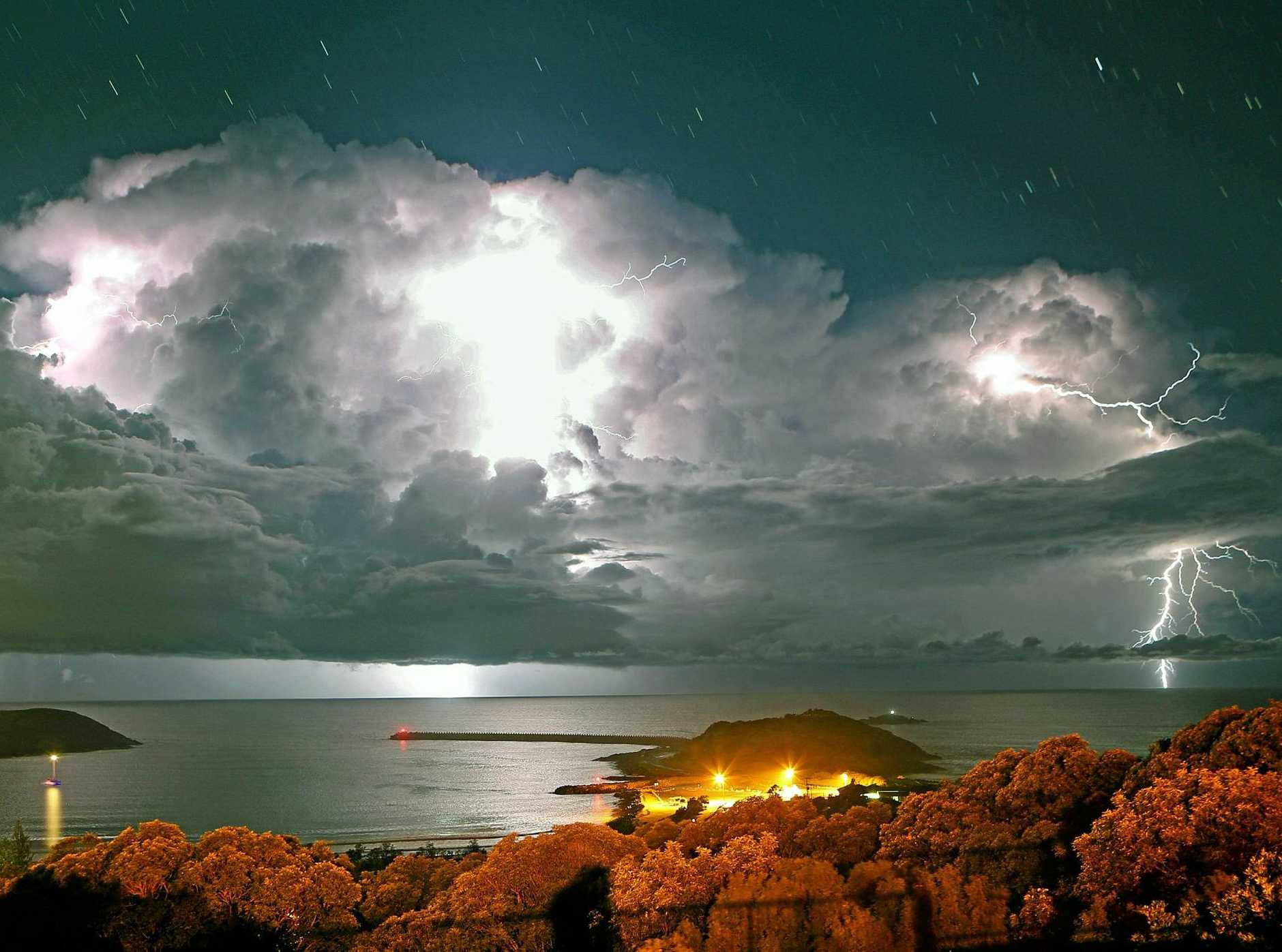 A lightning and thunder storm rumbled over Coffs Harbour overnight.