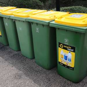RECYCLING GUIDE: What can and can't go in the yellow lid ...