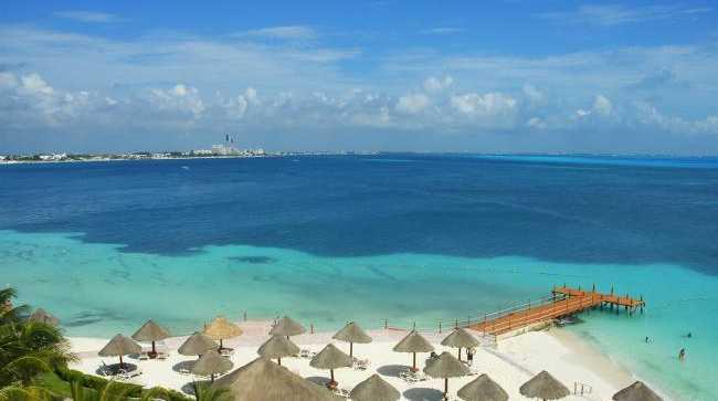 Cancun Beach looks like paradise.