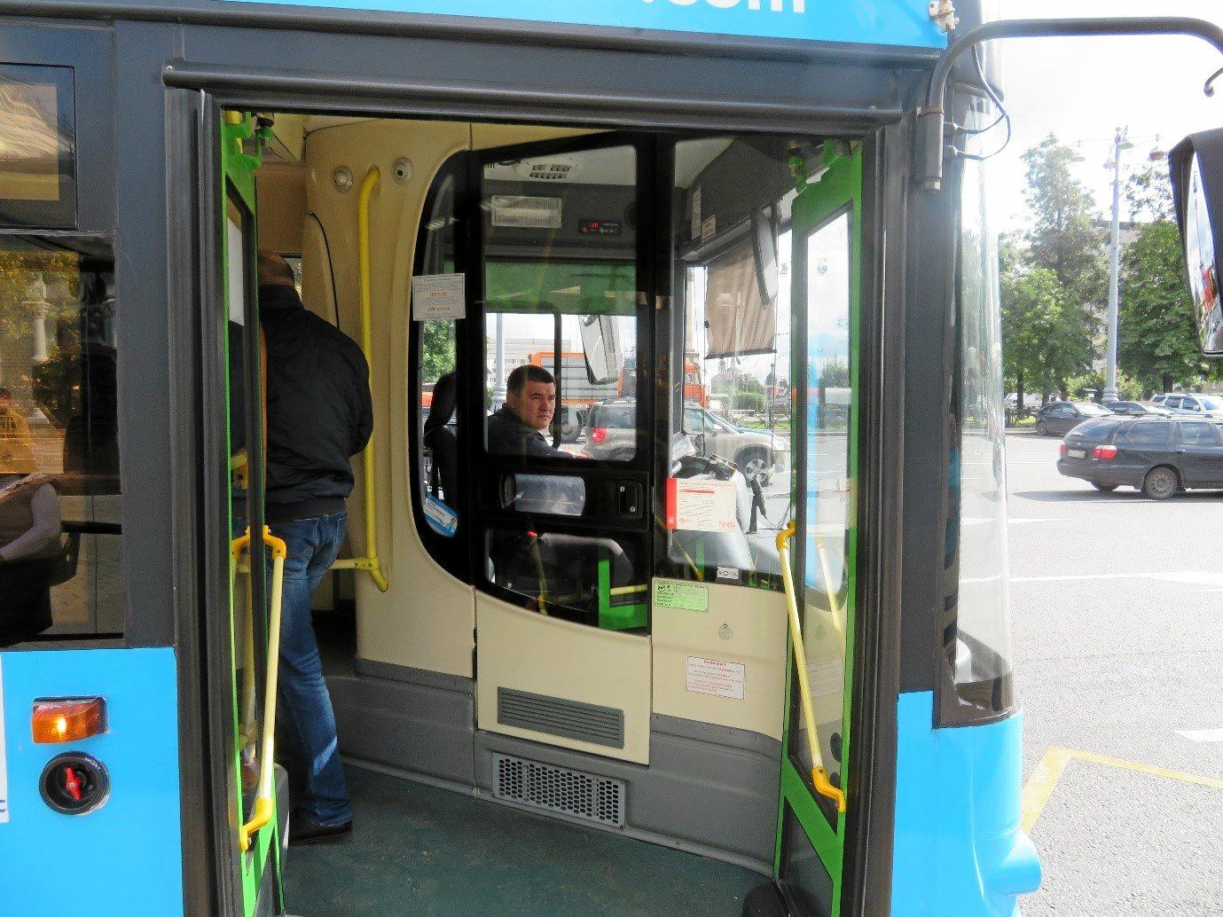Coast bus driver Greg Eaves has called for enclosed cabins for all buses, similar to those currently used in Russia.