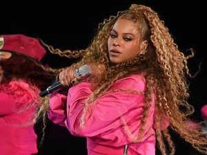 Beyonce's dramatic Coachella stage fall