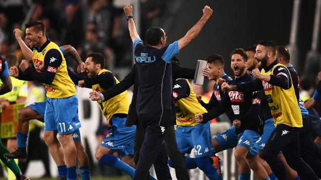 Napoli's teamplayers celebrate after winning