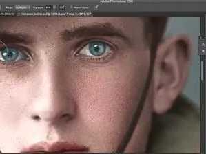 Mackay man adds colour to historic war photos