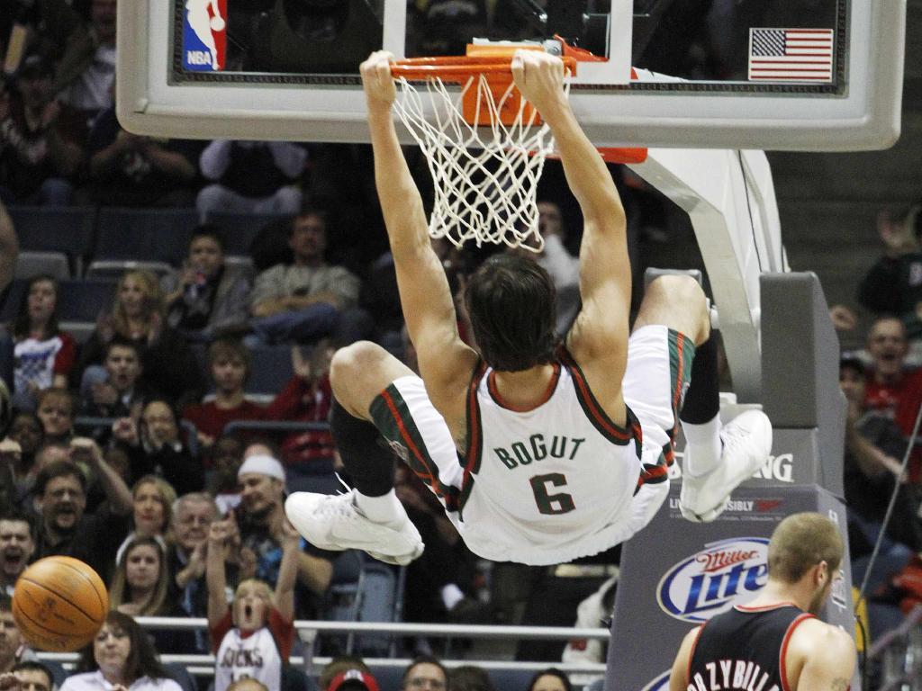 Andrew Bogut in action for the Milwaukee Bucks in 2009.