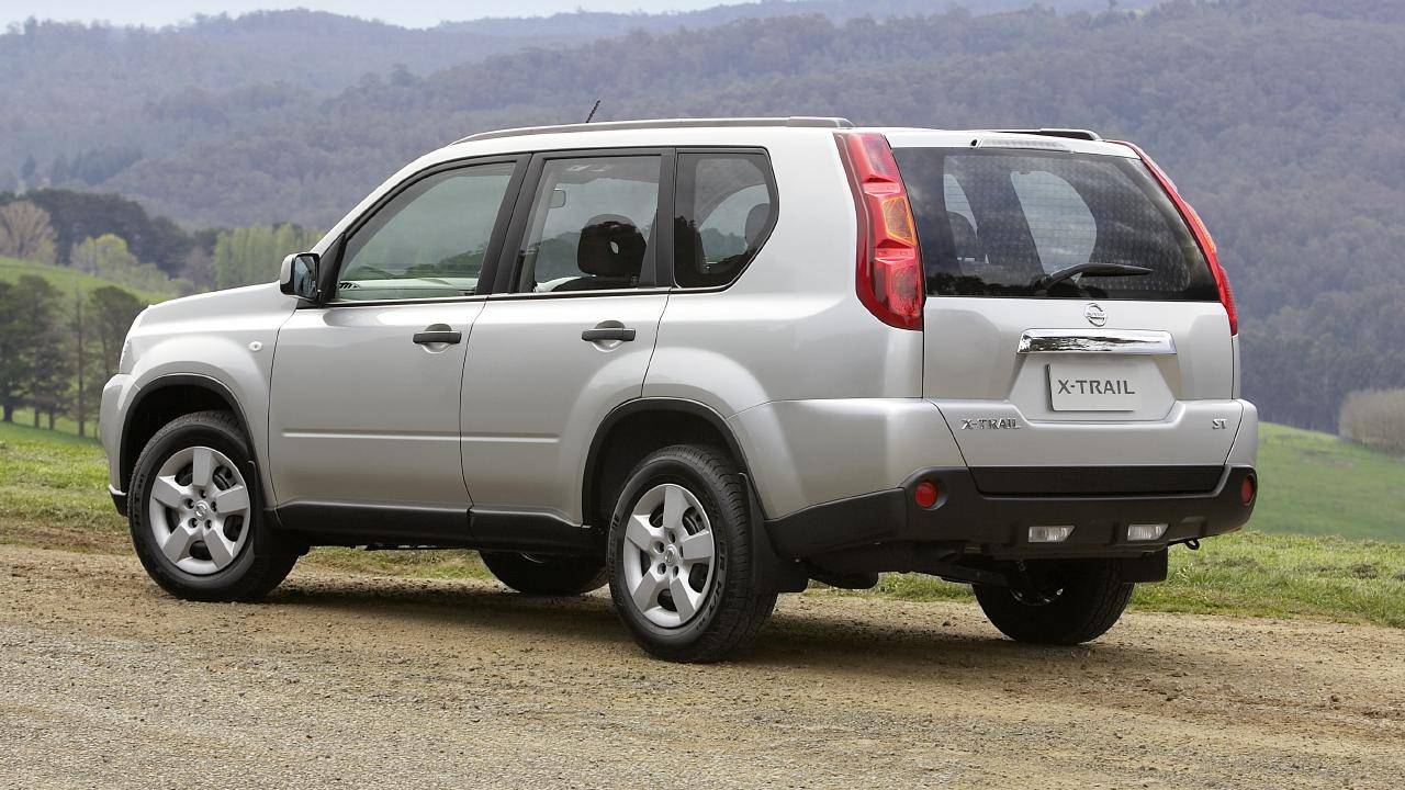 2007-2008 Nissan X-Trail compact SUV wagon.