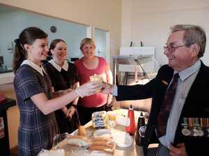 Volunteers help commemorate Anzac Day