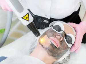 What are the benefits of a carbon laser facial?