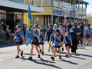Proserpine commemorates service heroes at Anzac Day march