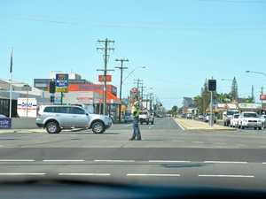 Traffic chaos as lights fail at major intersections