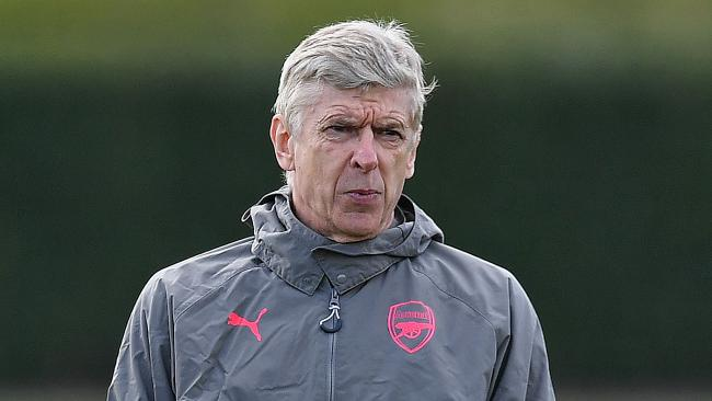 Arsenal's French manager Arsene Wenger attends a training session on the eve of their Europa League first leg semi-final