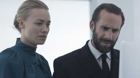Serena Joy (Yvonne Strahovski) and Commander Waterford (Joseph Fiennes) in The Handmaid's Tale. (Photo: George Kraychyk/Hulu)