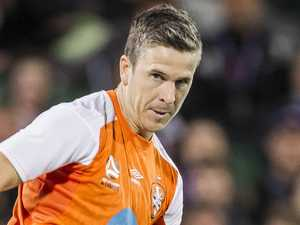 McKay, Hingert re-sign with Roar