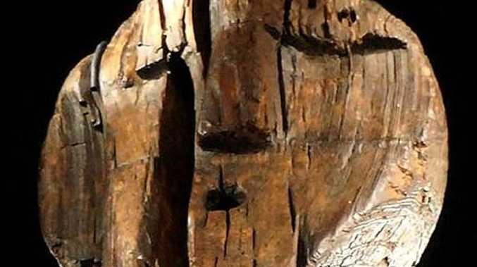 The main face of the Shigir Idol. Another seven, smaller, faces are stacked beneath it.