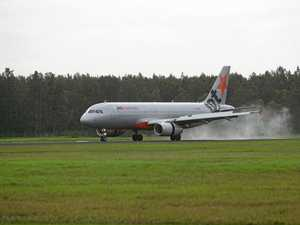Jetstar, Qantas 'significantly reducing' flights to NSW