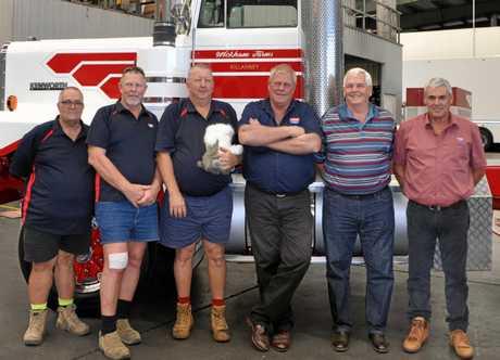 The same six drivers 33 years later. Garry Aitken, Wayne Ross, Thomas Stonehouse, Merv Ross, Garth Power and Graham Keogh.