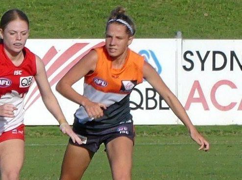 Ahlani Eddy (right) playing for the GWS Giants Academy team.