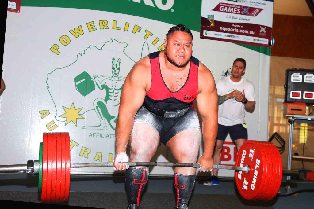 Tyron Senituli deadlifts 241kilograms for the Australian deadlift