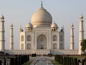 Something weird's going on with the Taj Mahal