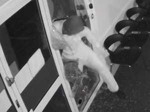 VIDEO: Cash Converters thief captured on CCTV