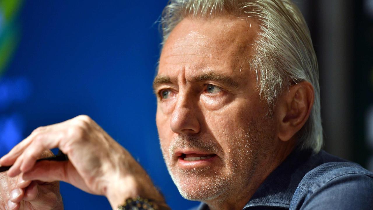 Bert van Marwijk sort wisdom from John van 't Schip in his squad choices.