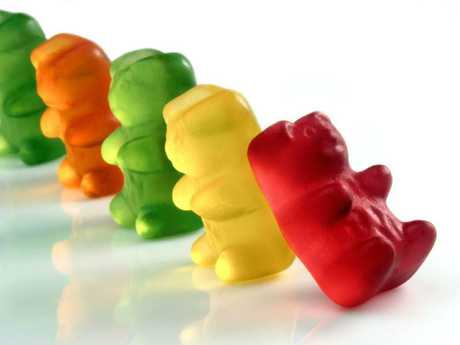 Gummy sweets, with a dry surface, had the weakest transfer of bacteria when dropped.