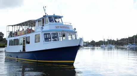 The Iluka Ferry pulls up at the Yamba Wharf