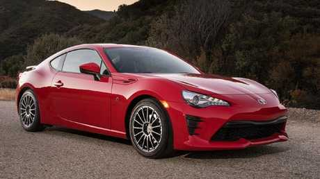 Toyota 86: What comes first, knee or car?