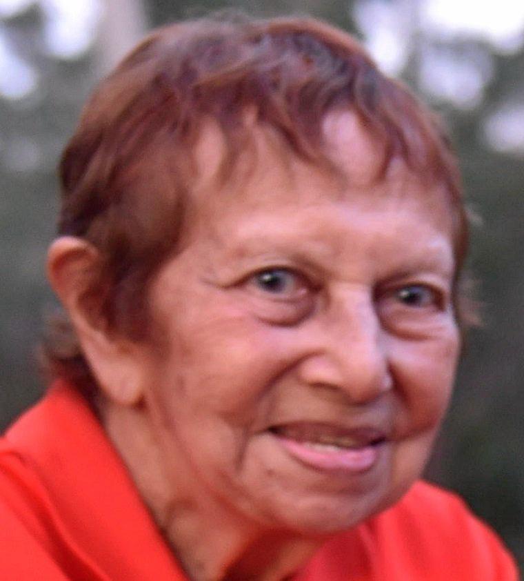 Dr Eve Fesl.