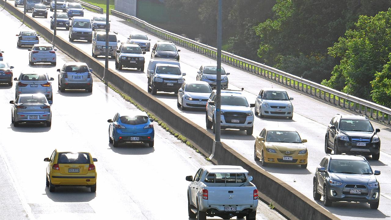 Heavy traffic on the M1 motorway between Brisbane and the Gold Coast. Picture: AAP/John Gass