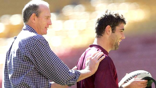 Bennett with Cam Smith ahead of his Origin debut in 2004. (Glenn Barnes)