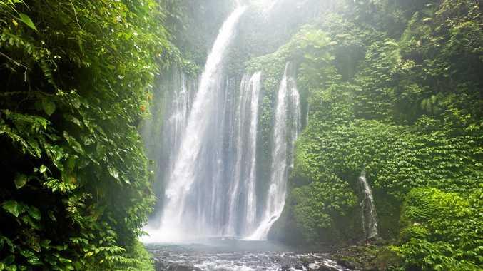 Air Terjun Tiu Kelep waterfall, Senaru, Lombok, Indonesia.