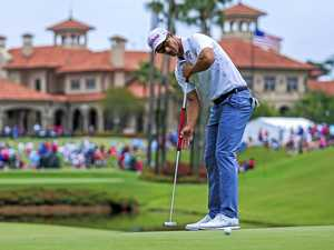 Switch to long-handled putter lifts Scott's prospects