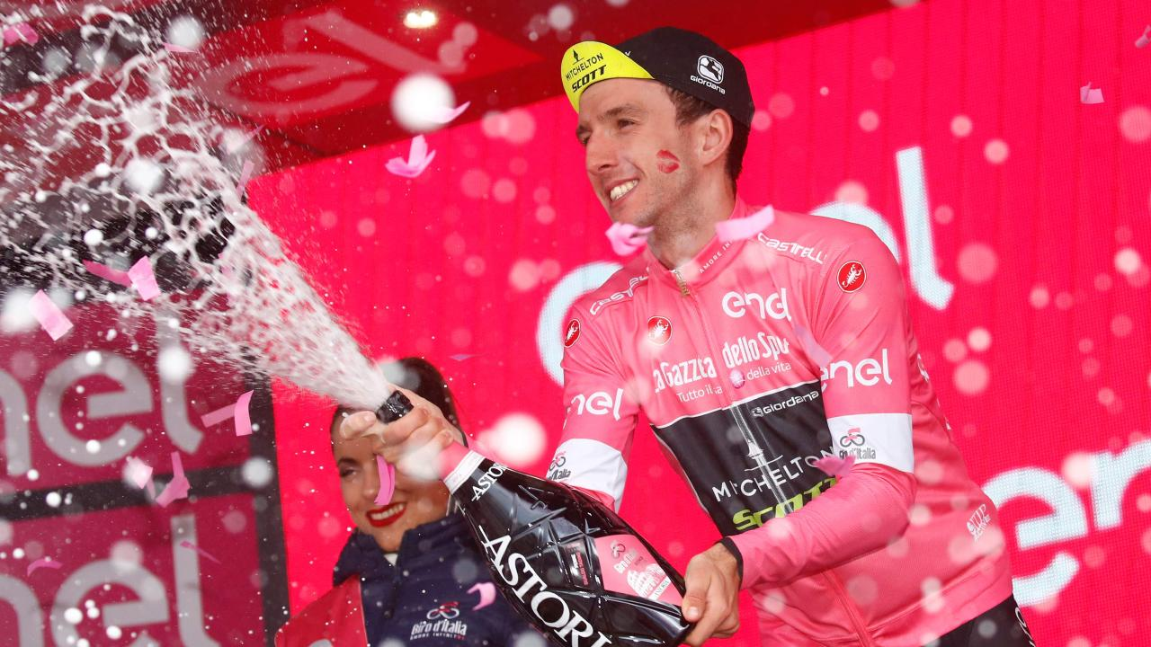 Simon Yates has extended his lead at the Giro.