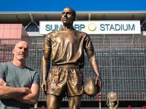 The People's Immortal: NRL cult hero gets bronze statue