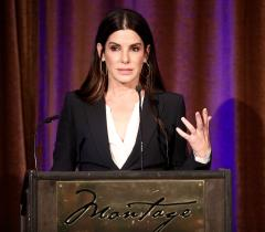Sandra Bullock speaking at the Beverly Hills Bar Association's 2018 Entertainment Lawyer of the Year Dinner. Photo: Getty
