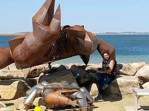 Artist wins $45k prize thanks to massive crab sculpture