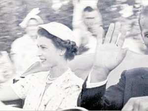 FLASHBACK: 10K people greet royal couple at the airport