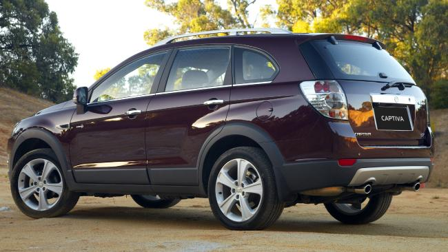 2011 Captiva 7: Three engine options, with front or all-wheel drive